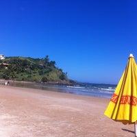 Foto tirada no(a) Praia de Geribá por Rodrigo A. em 5/27/2012
