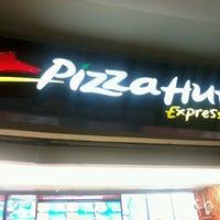Photo taken at Pizza Hut by KayC J. on 7/1/2012