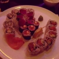 Foto tomada en Nori Sushi por Samantha K. el 2/24/2012