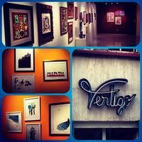 Foto tomada en Vértigo Galería por Raul M. el 8/22/2012
