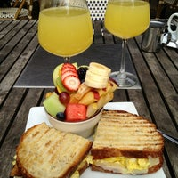 Снимок сделан в Bamboo Lounge пользователем Chris L. 2/11/2012