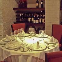 Das Foto wurde bei Astrid & Gastón von Luis Enrique B. am 5/12/2012 aufgenommen
