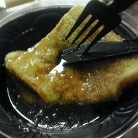 Photo taken at Villa Fresh Italian Kitchen by Mizz H. on 2/17/2012