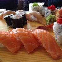 Снимок сделан в Kiku Sushi пользователем Jarek S. 4/9/2012