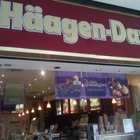 Photo taken at Haagen-Dazs by Lavale L. on 5/8/2012