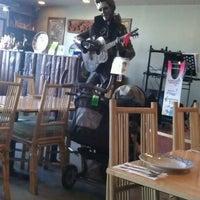 รูปภาพถ่ายที่ Palms Thai Restaurant โดย Krystal G. เมื่อ 5/27/2012