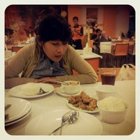 Photo taken at D'Cost Seafood by Ari O. on 4/11/2012