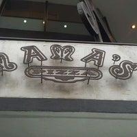 Foto tomada en Mama's Pizza por Daniel R. el 2/25/2012