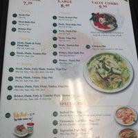 Photo taken at Pho Hoa Noodle Soup by Masanari T. on 3/21/2012