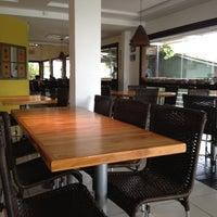 Photo taken at Restaurante Pé de Pequi by Vincent M. on 4/17/2012