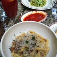 Foto scattata a Bocca Restaurant da Catherine K. il 6/26/2012