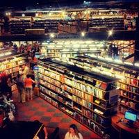 Foto tirada no(a) Livraria Cultura por Vinícius M. em 9/7/2012