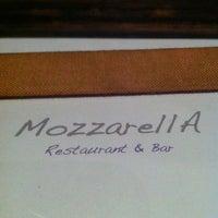 Das Foto wurde bei MozzarellA Restaurant & Bar von *•*Vanz*•* am 5/21/2012 aufgenommen