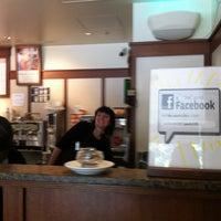 4/6/2012にJohnny E.がPeet's Coffee & Teaで撮った写真