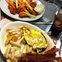 Foto tirada no(a) Crosstown Diner por Jay C. em 6/1/2012