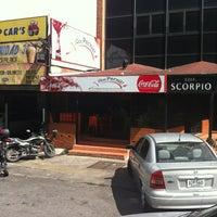 Foto tomada en La Calle del Hambre por Orlando R. el 8/26/2012