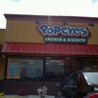 Photo taken at Popeyes Louisiana Kitchen by Unforgettable I. on 5/5/2012
