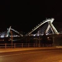 Foto tirada no(a) A Ponte do Milenio por César I. em 7/18/2012