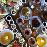 8/5/2012 tarihinde Mehmet K.ziyaretçi tarafından Cafe Palas'de çekilen fotoğraf