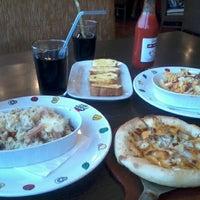 Photo taken at Pizza Hut by Ribka K. on 2/27/2012