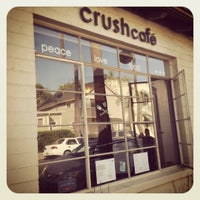 Photo taken at Crushcakes Cupcakery & Crushcafe by Jia D. on 8/11/2012