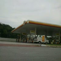 Photo taken at Shell by Zuhariah R. on 5/7/2012