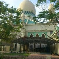 Photo taken at Masjid Perpindahan Lambak Kanan by Rosman H. on 8/2/2012