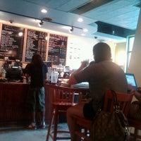 8/12/2012 tarihinde Aaron R.ziyaretçi tarafından U Street Café'de çekilen fotoğraf