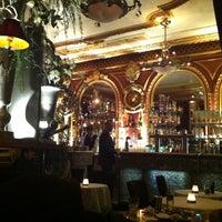 Foto tirada no(a) Grand Café des Négociants por Jojo em 4/7/2012