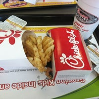 Photo prise au Chick-fil-A par Justin M. le8/16/2012