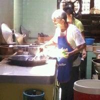Photo taken at Restoran Teo Kee by Yap Joong Sern on 3/24/2012