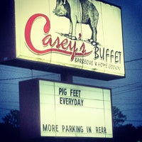 Photo taken at Casey's Barbecue & Home Cookin' Buffet by Byron B. on 8/25/2012