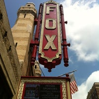 Foto tomada en The Fox Theatre  por Kirsten el 8/18/2012
