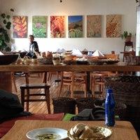 Foto tomada en Greens Organic Restaurant por Vinicius Y. el 2/17/2012