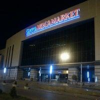 Photo taken at Roda Megamarket by Jelena V. on 5/19/2012