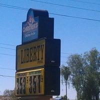 Das Foto wurde bei Liberty Fuel Travel Center & Truckstop von Andi B. am 6/10/2012 aufgenommen