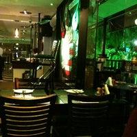 Foto tirada no(a) Quatro Quintas Chopperia & Gourmet por Dante A. em 3/31/2012