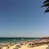 Foto tomada en Playa Mil Palmeras por Mariu el 8/29/2012