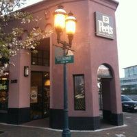 Photo taken at Peet's Coffee & Tea by Alice L. on 4/1/2012