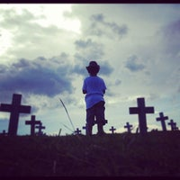 Photo taken at Libingan ng mga Bayani by RJ M. on 5/19/2012