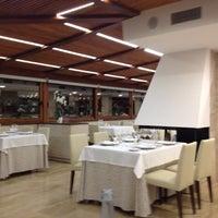 Foto tomada en Restaurant Aradi por Salvador P. el 8/27/2012