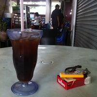 Photo taken at Restoran & Katering Kaisah by mR@g on 4/10/2012