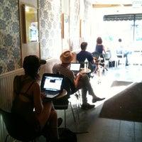 Снимок сделан в Variety Coffee Roasters пользователем Noa B. 7/27/2012