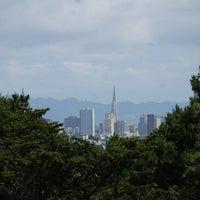 Снимок сделан в Strawberry Hill пользователем Paul D. 5/6/2012