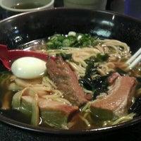 Das Foto wurde bei Suzu Noodle House von Jeff Y. am 2/14/2012 aufgenommen