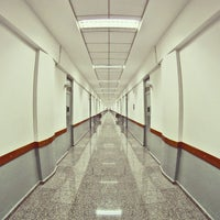 Das Foto wurde bei Prédio 5 - FAAP von Orlando M. am 5/11/2012 aufgenommen