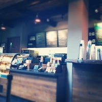 Снимок сделан в Starbucks пользователем Iwan R. 4/8/2012