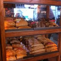 Foto tirada no(a) Maya Café por Guilherme K. em 5/12/2012