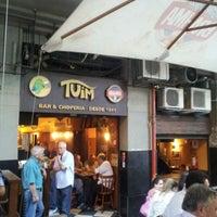 Foto tirada no(a) Bar Chopp Tuim por Fernando Gustavo C. em 8/22/2012