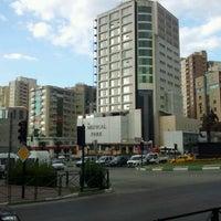 Foto tirada no(a) 15 Temmuz Demokrasi Meydanı por Okan a. em 7/3/2012
